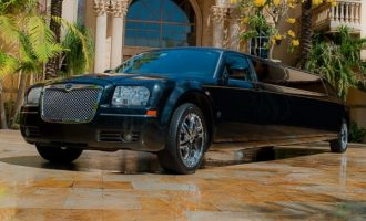 8 Person Chrysler 300 Limo Service Fort Myers