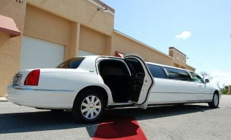 8 Person Lincoln Stretch Limo Fort Myers
